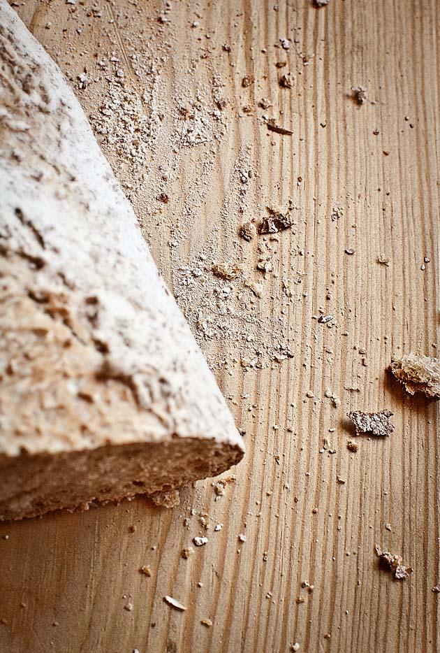 Pan trigo molido a la piedra