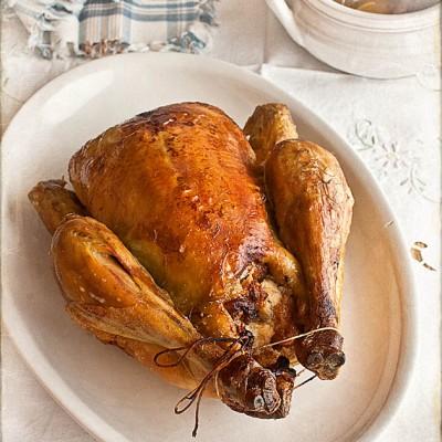 Pollo al horno relleno de higos y mazapán