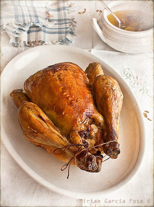 Pollo relleno mazapán higos