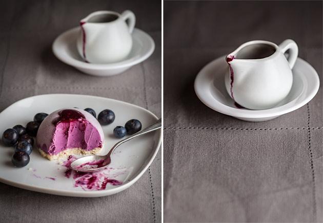 Blueberry yogurt ice-cream mini cakes