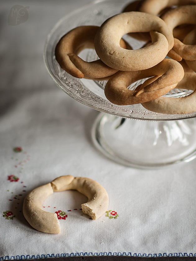 Anise flavoured rings
