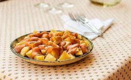 imagen de patatas bravas a la madrileña