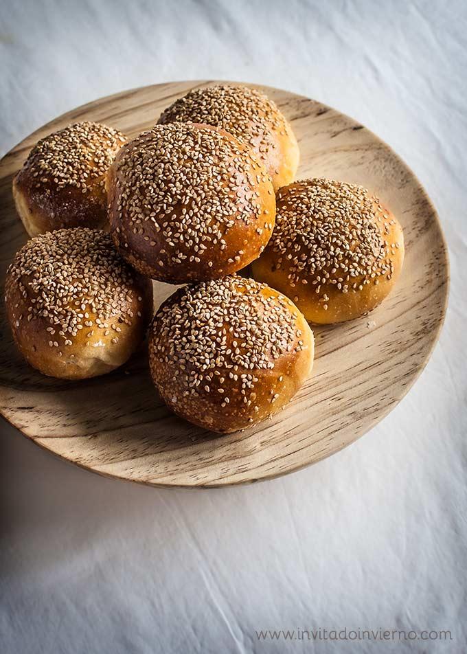 imagen de pan de hamburguesa casero