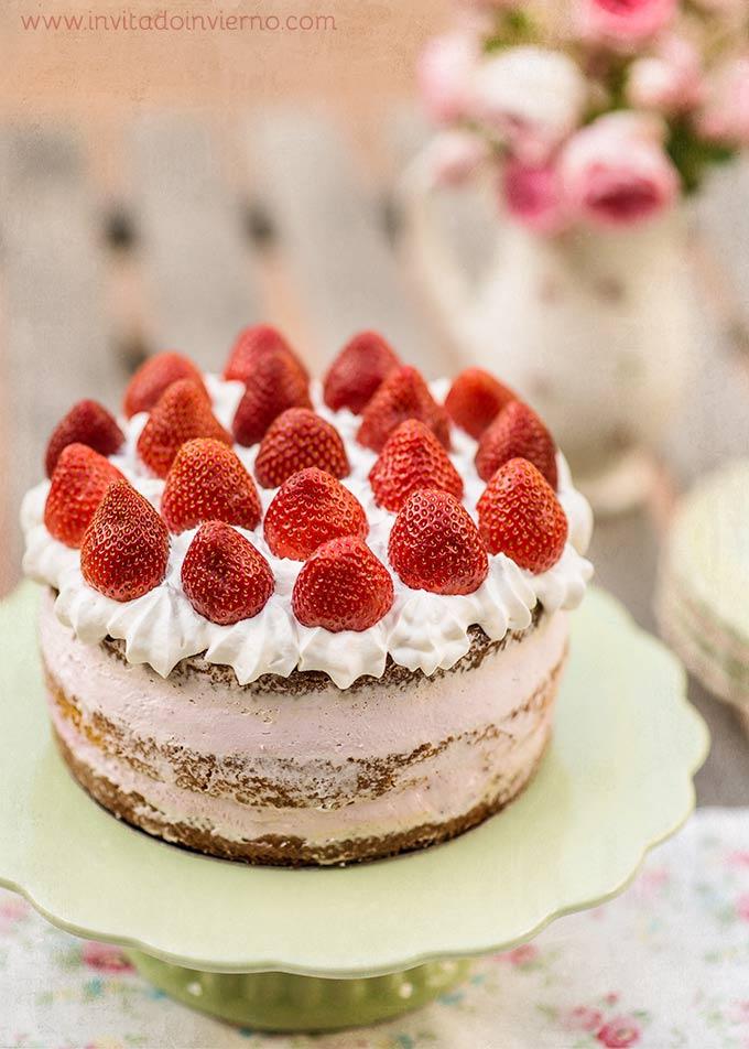 imagen de tarta de fresas con nata