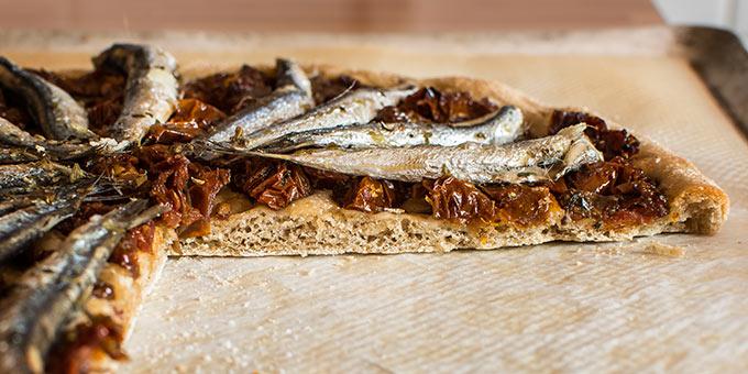 imagen de coca salada de pescado