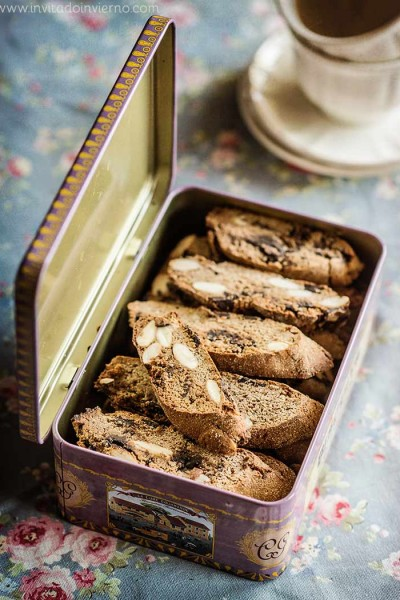 Chocolate and chestnut biscotti