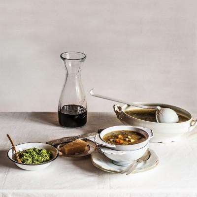 Sopa minestrone verde con pesto