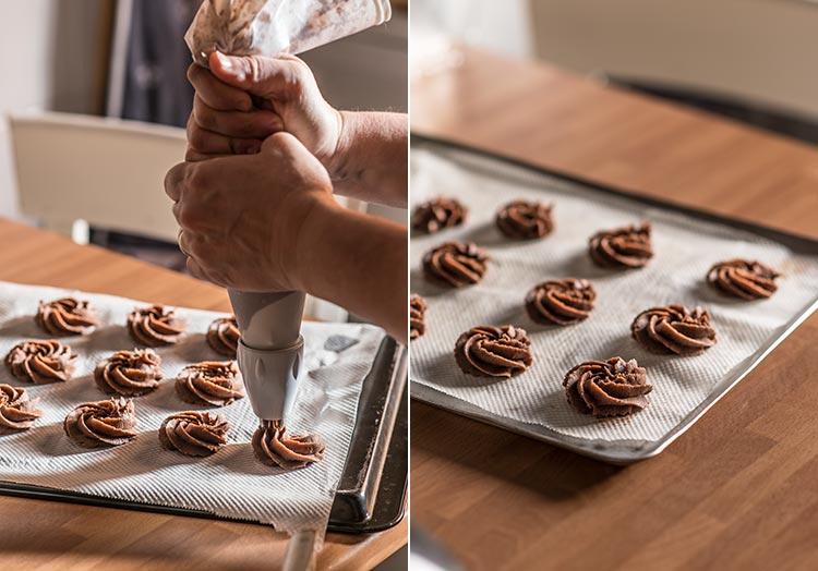 rosas de galleta de chocolate paso a paso