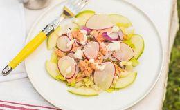ensalada de salmón y manzana
