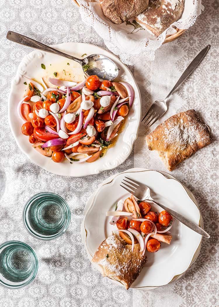 ensalada tomates cherry