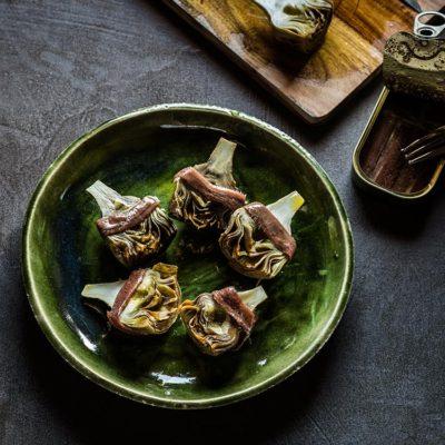 Alcachofas confitadas en aceite de oliva